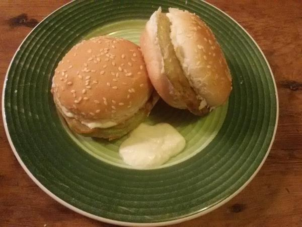 MINI HAMBURGUESES DE COL-RAVE |